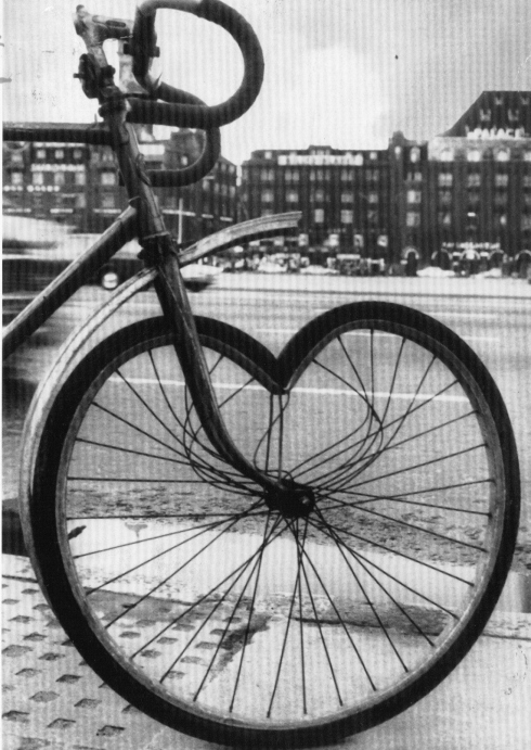 Le cycliste est-il tombé amoureux?