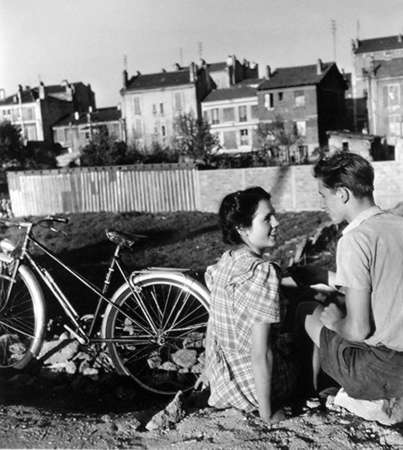 doisneau_amoureux_bicyclette