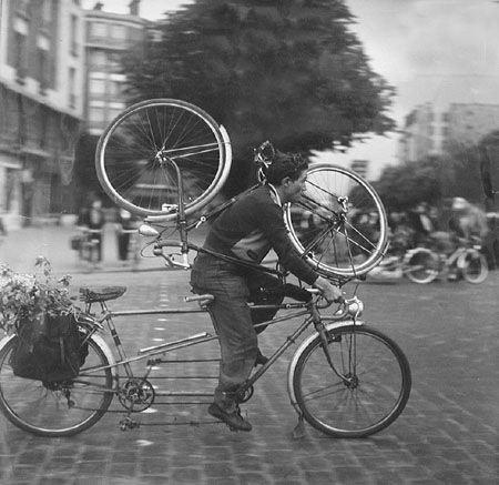 Doisneau_The_Cycler(1955)